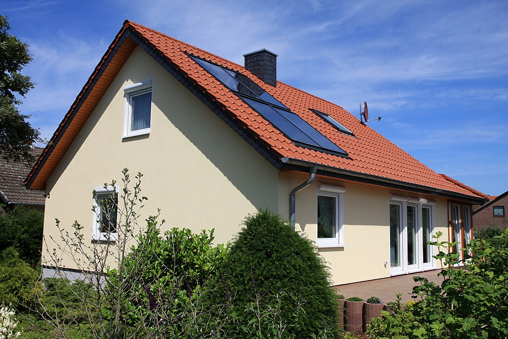 dachsanierung fertighaus dachdeckung fertighaus dachreparatur nordrhein westfalen fertighaus. Black Bedroom Furniture Sets. Home Design Ideas